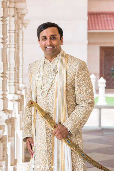 indian groom,ceremony fashion