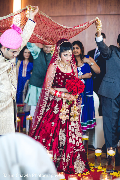 indian bride,red velvet lengha,indian wedding ceremony