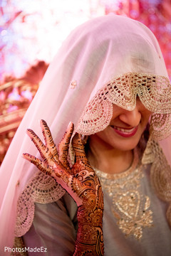 indian wedding mehndi party,indian wedding henna,indian pre-wedding celebrations