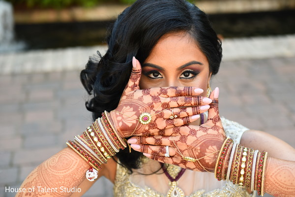 indian wedding photography,indian bridal mehndi