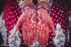 indian wedding henna,bride bangles,indian bride ceremony fashion