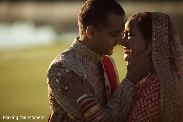 indian wedding couple,indian wedding bangles,indian bridal jewelry