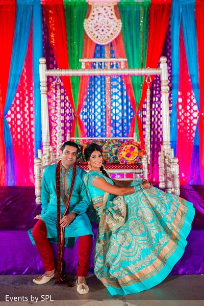 Indian Couple Posing On The Sangeet Stage Photo 95814