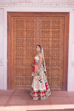 ndian bride,indian bridal fashions
