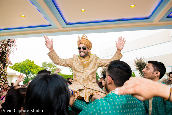 indian wedding baraat,indian groom,indian pre-wedding celebrations