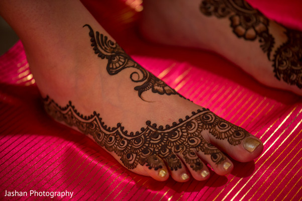 indian pre-wedding celebrations,mehndi party decoration