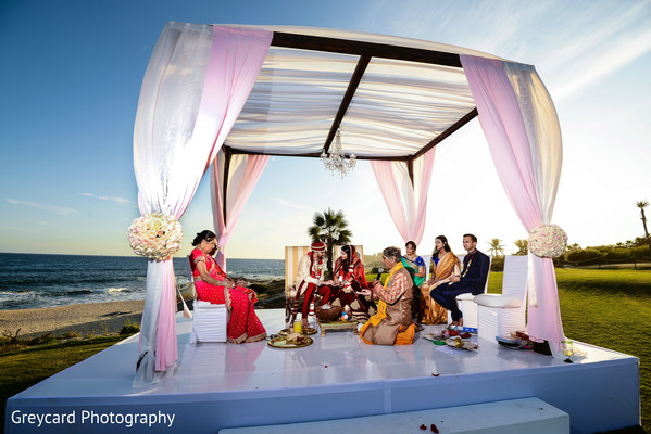 indian bride,ceremony fashion,indian wedding mandap,indian destination wedding