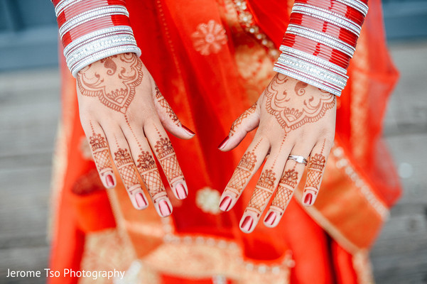 mehndi art,bride bangles,indian bridal lengha
