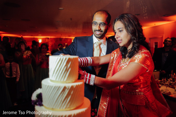 indian wedding cakes,lightning,indian bride reception fashion