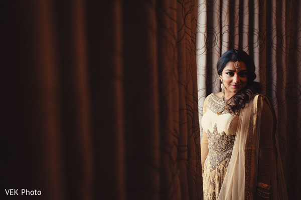 indian bride,indian bridal hair and makeup,indian wedding portrait,indian bridal fashions