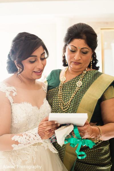 Maharani reading love note