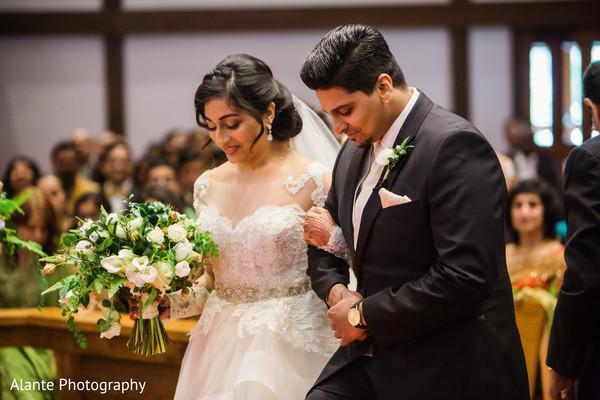 indian wedding couple,indian wedding fashions