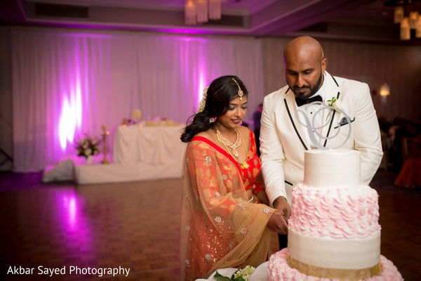 bridal tikka,lightning,indian wedding cakes