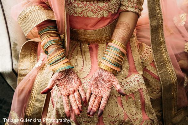 indian bridal mehndi,indian wedding bangles,indian wedding henna