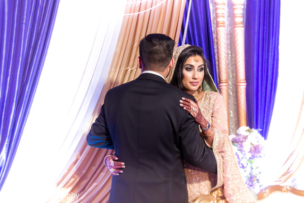 indian wedding reception,indian bride and groom,indian wedding photography
