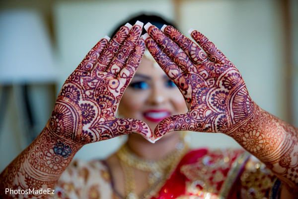 indian wedding mehndi,indian bridal henna,henna art,indian bride