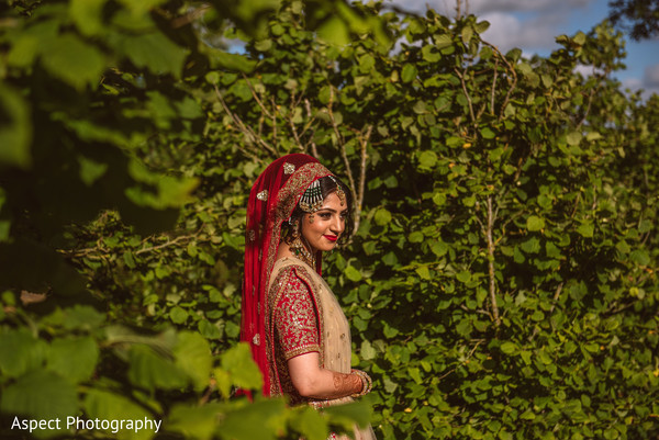 outdoor photography,indian wedding henna,indian bridal jewelry