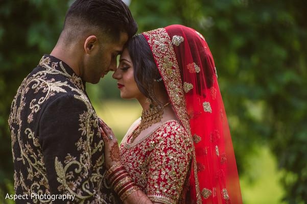 bride bangles,indian bridal mehndi,indian bridal lengha