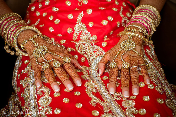 indian bride,indian bridal mehndi,indian bridal jewelry