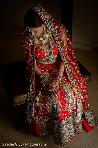 indian bride,indian wedding portrait,indian bridal fashions,indian wedding lengha