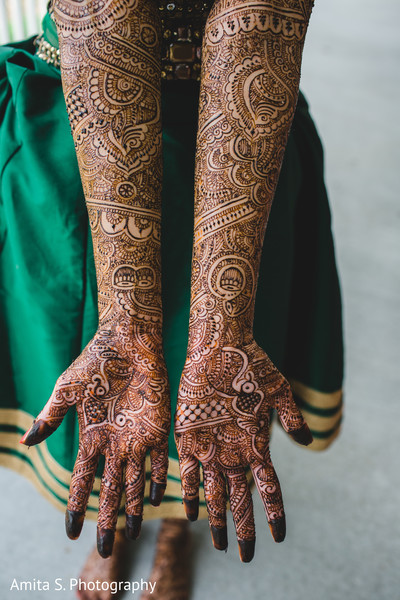 mehndi artist,indian wedding mehndi