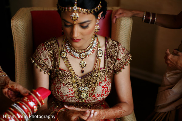 indian bride accessories,indian bridal jewelry,indian bride getting ready