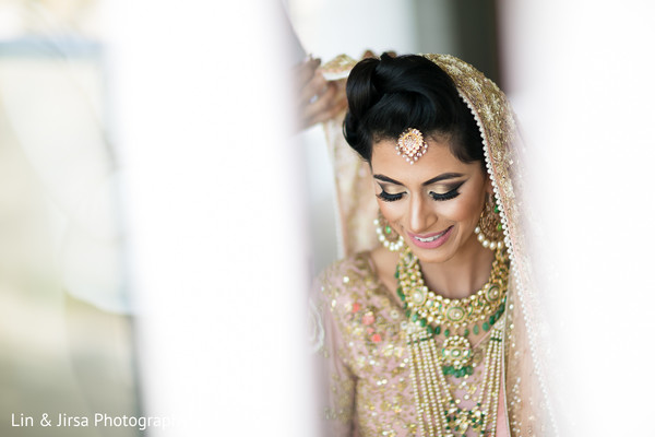 indian bride makeup,bridal tikka,indian bridal fashions