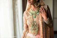 indian wedding henna,indian bridal jewelry,pre-wedding ceremony photography