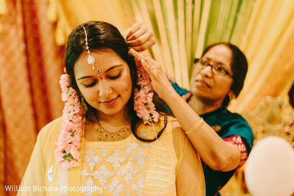 indian bride getting ready,indian bridal accessories,indian bride accessories,accessories for bride,floral accessories,bride floral,bridal floral accessories,floral garlands,garlands