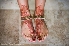 indian bride,indian bridal henna,indian bridal jewelry
